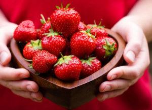 Сбор урожая ягод